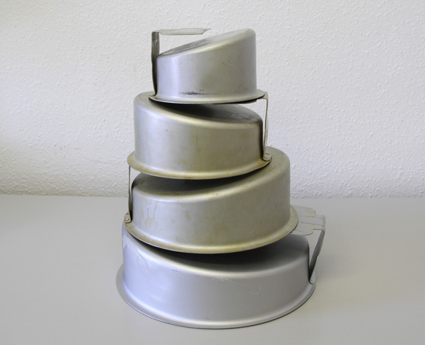 How To Use Wonky Cake Tins