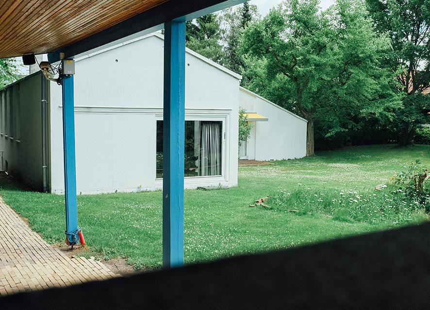 outside-juhl-house-4